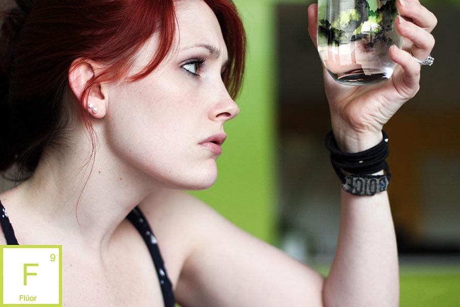 ¿Es eficaz el agua con flúor?